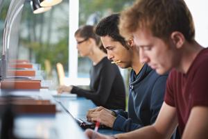 Třetina mladých nevyužívá svoji kvalifikaci