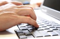Senioři hledají na internetu praktické informace