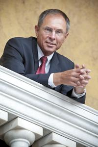 profesor Jan Švejnar, Ph.D.
