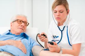 Kolik zaplatí domácnosti za zdravotní péči