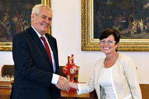 Prezident republiky se znovu setkal spředsedkyní ČSÚ