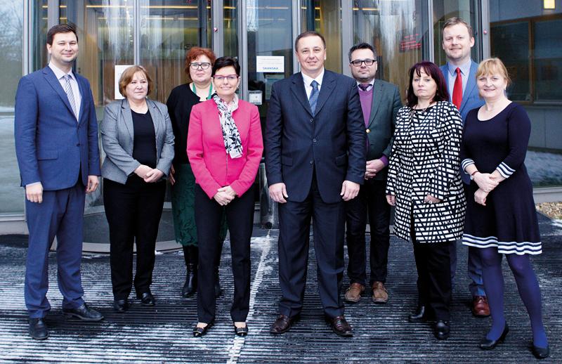 Alexander Ballek na návštěvě předsedkyně ČSÚ Ivy Ritschelové ajejích spolupracovníků.
