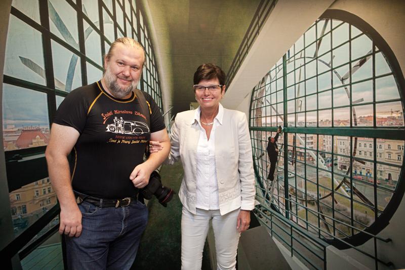 Předsedkyně ČSÚ Iva Ritschelová s Martinem Frouzem.