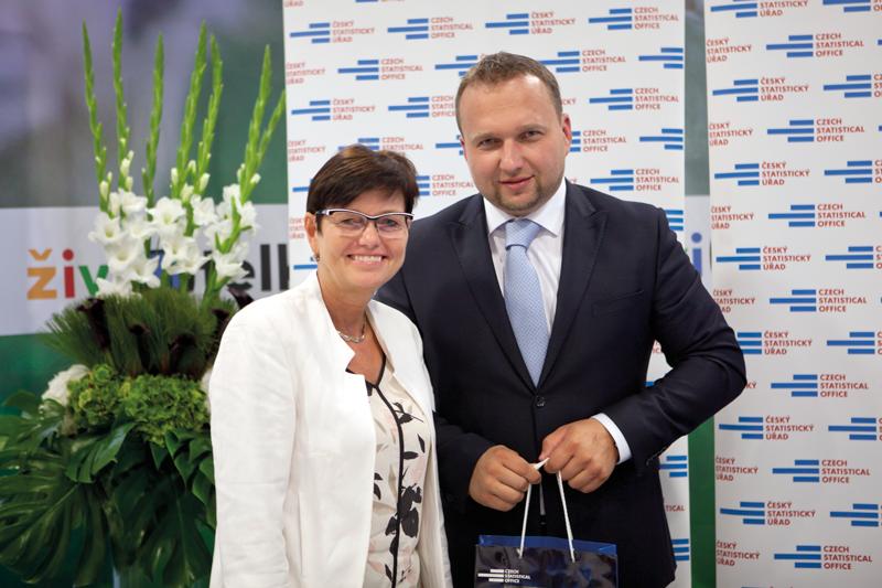 Předsedkyně ČSÚ Iva Ritschelová sministrem zemědělství Marianem Jurečkou