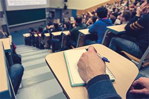 Polovina studentů soukromých VŠ studuje ekonomické obory