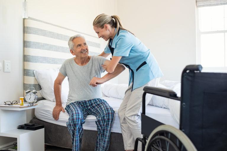 Pojišťovny hradí dvě třetiny výdajů na zdravotní péči
