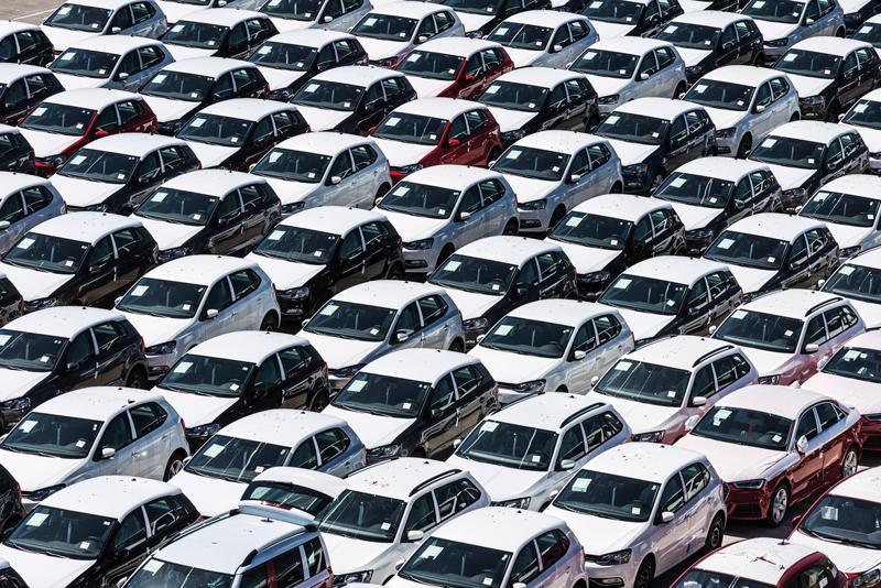 VIrsku se auta kupují vlednu avčervenci