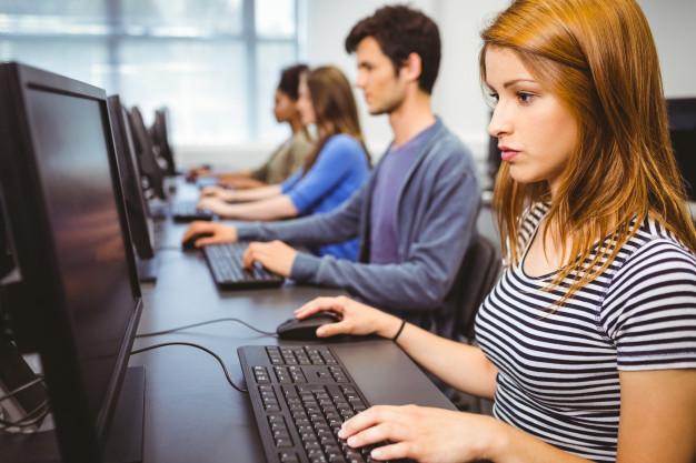 Češi se do počítačových kurzů nehrnou