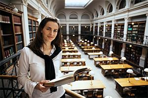 Vyšší vzdělanost žen snižuje platové rozdíly mezi muži aženami